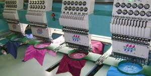 Вышивальная машина в работе